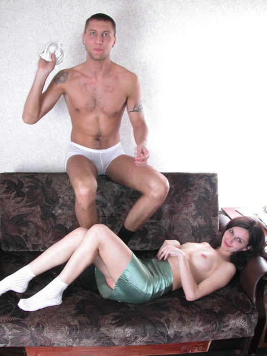 http://free.nasty-angels.com/photo/img08/p12.jpg